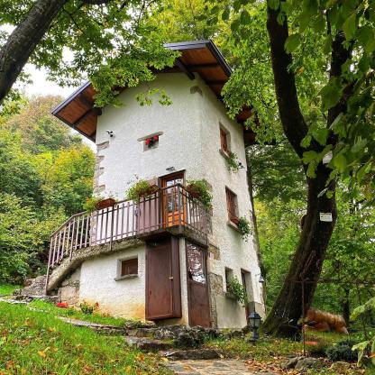 dormire a Bergamo in Valle Imagna in un roccolo