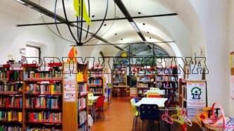 Biblioteca treviglio interno