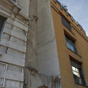 casa-più-stretta-di-milano-tappabuchi