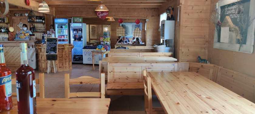 Interni ristorante Rifugio Gremei