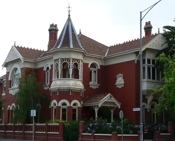 A Federation Mansion In South Yarra