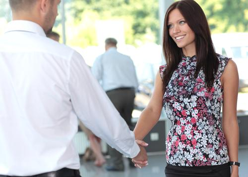 9 lucruri pe care sa nu le spui niciodata la prima intalnire