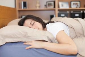 Dormitul pe burta iti poate provoca probleme de sanatate