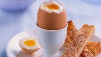 Importanta oului fiert la micul dejun si beneficiile acestuia