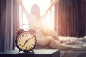 Alarma care te trezeste dimineata iti poate transforma ziua intr-un cosmar. Afla de ce!
