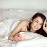 美女はよく眠る!ぐっすり眠るには…眠る前にしない&したいこと