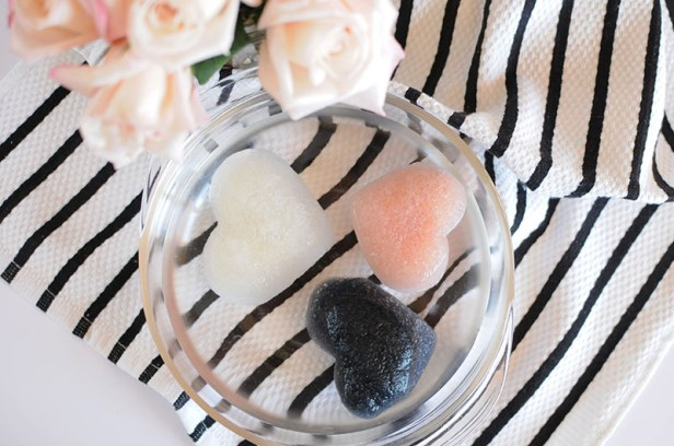 One-Love-Organics-Cleansing-Sponge-in-Bowl