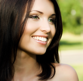 Are Lumineers right for you? Houston cosmetic dentist will present the pros and cons.