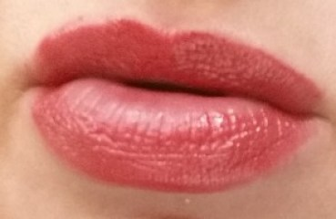 Bobbi Brown Nourishing Lip Color Rosebud - swatched on lips