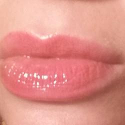 Wearing YSL Volupté Lip Tint-in-Oil - Peach Me In Love- 05