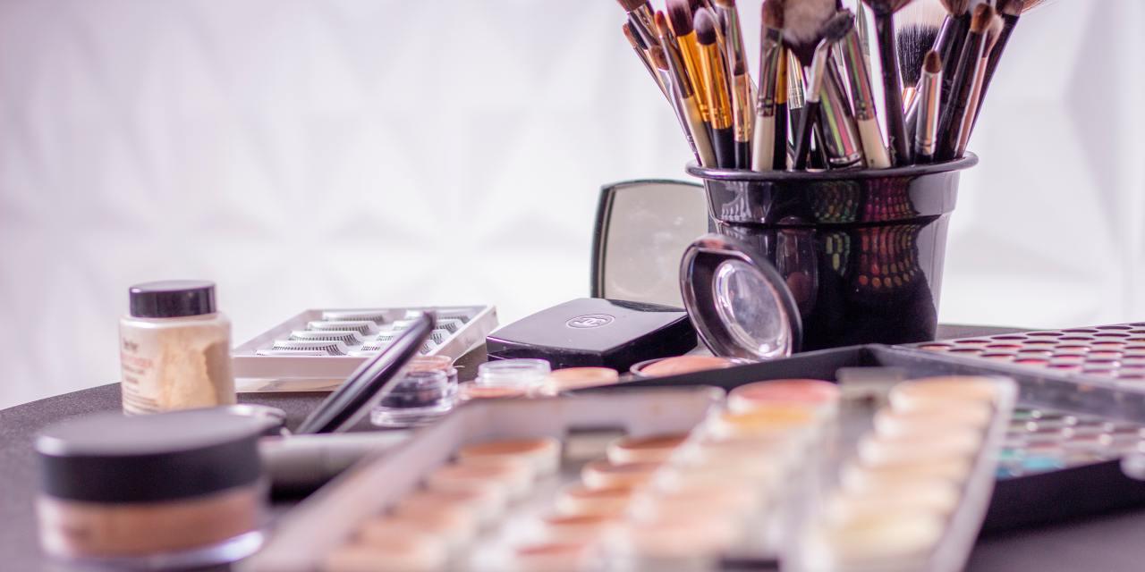 Pinceis de maquiagem: Conheça os tipos de pinceis e para que servem