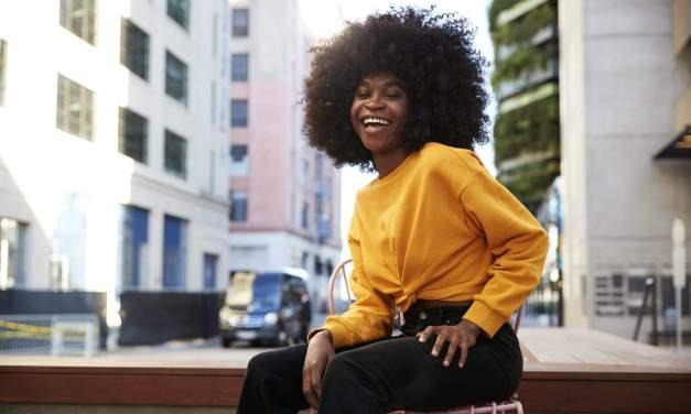 Permanente Afro: O que é, quais os tipos, quais produtos usados e cuidados após o procedimento.