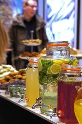 Jo Malone London English Fields buffet table country style food drinks lemonade limonade essen tisch еда напитки лимонад угощения стол