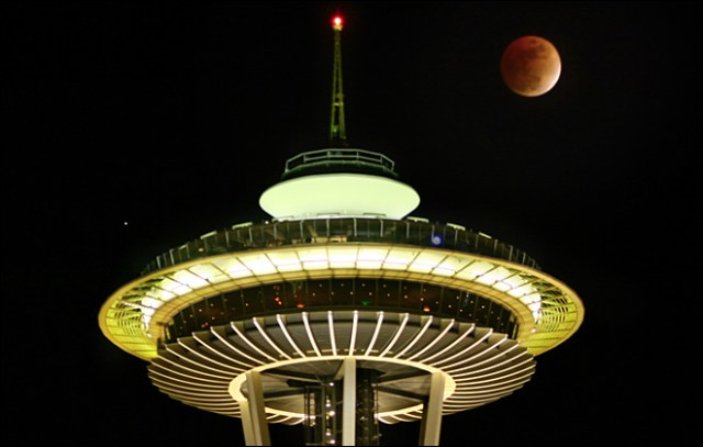 Image: Seattle lunar eclipse