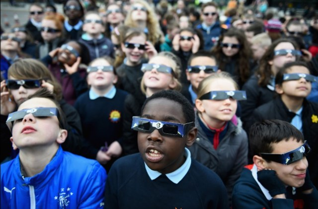 Kids with solar glasses