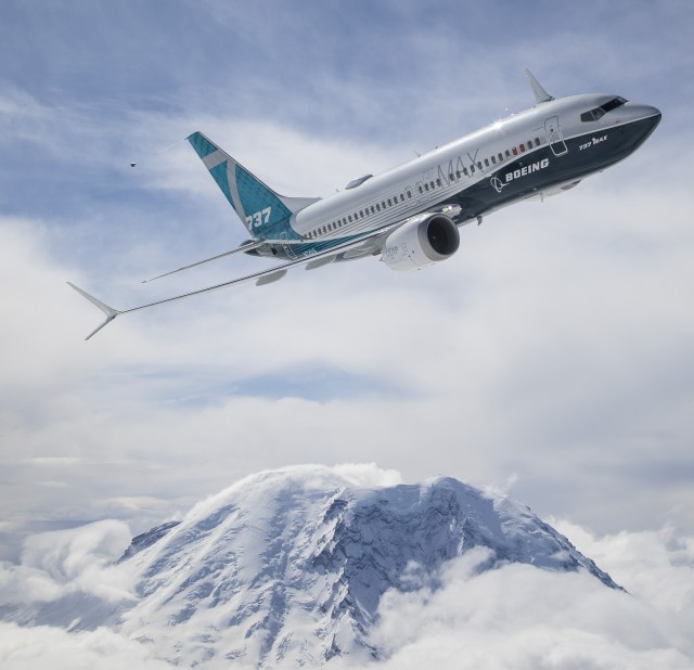 Boeing 737 MAX 7 jet and Mount Rainier
