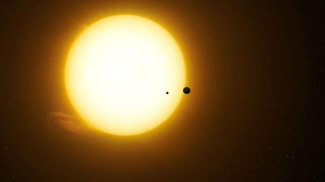 Kepler-1625b and moon transiting star