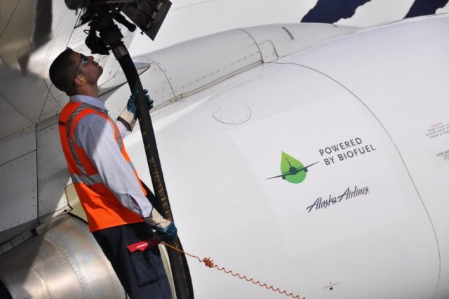 Filling up Alaska Airlines jet with biofuel