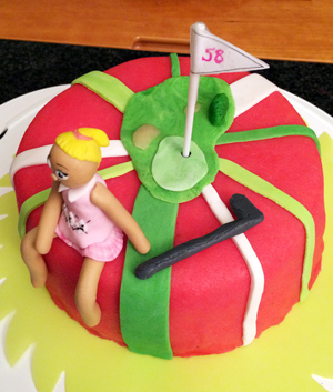 ...så hon fick en golftårta...
