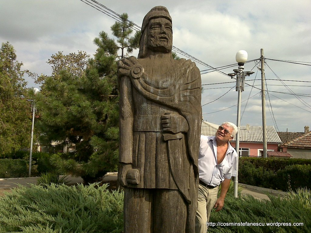 Tiberiu Rusu şi sculptura sa în lemn - Mesagerul dac (14)