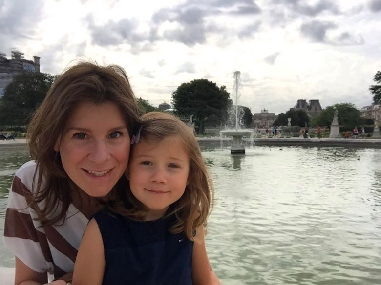 Mother-daughter time while exploring Paris with a kid