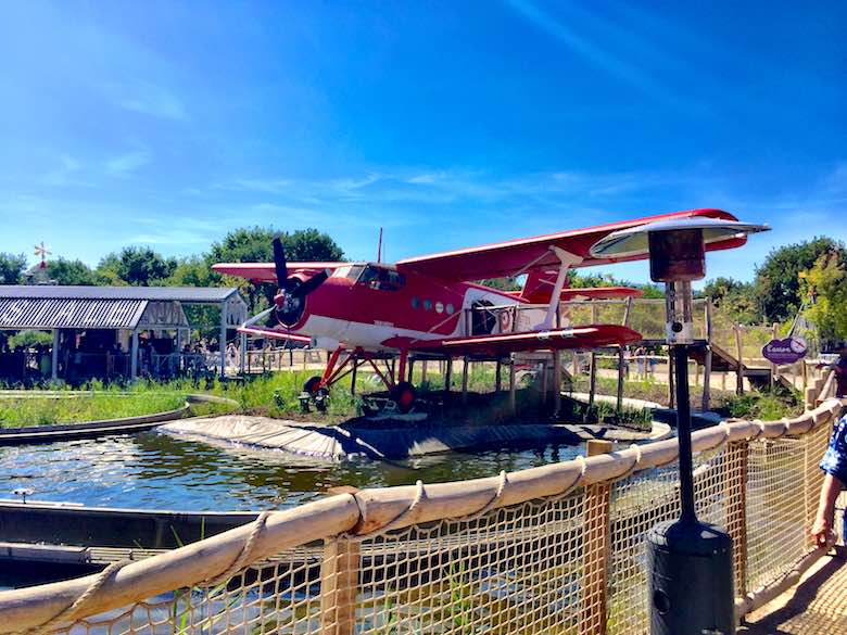 Plane at Parc du Petit Prince, de tussenstop die je niet mag missen tijdens een autovakantie met kinderen naar Italië