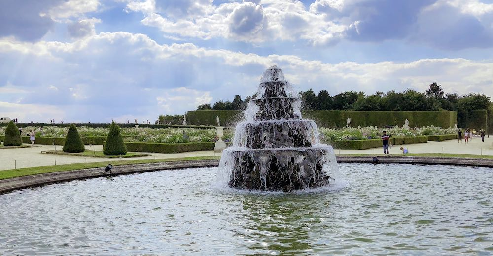 Visit Versailles during the Musical Fountains Show season