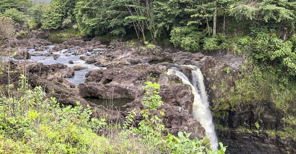 The top of Rainbow falls where you can see the Wailuku River