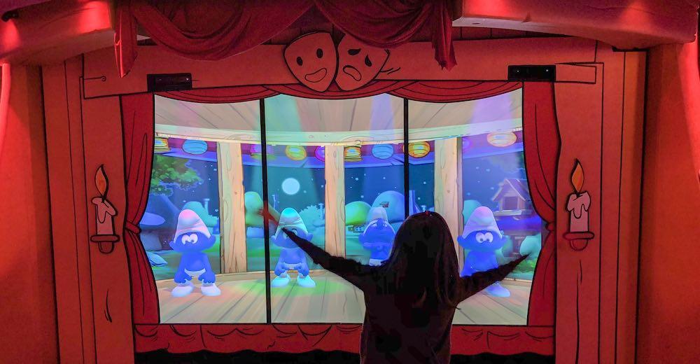 Dansen met de Smurfen in Comics Station