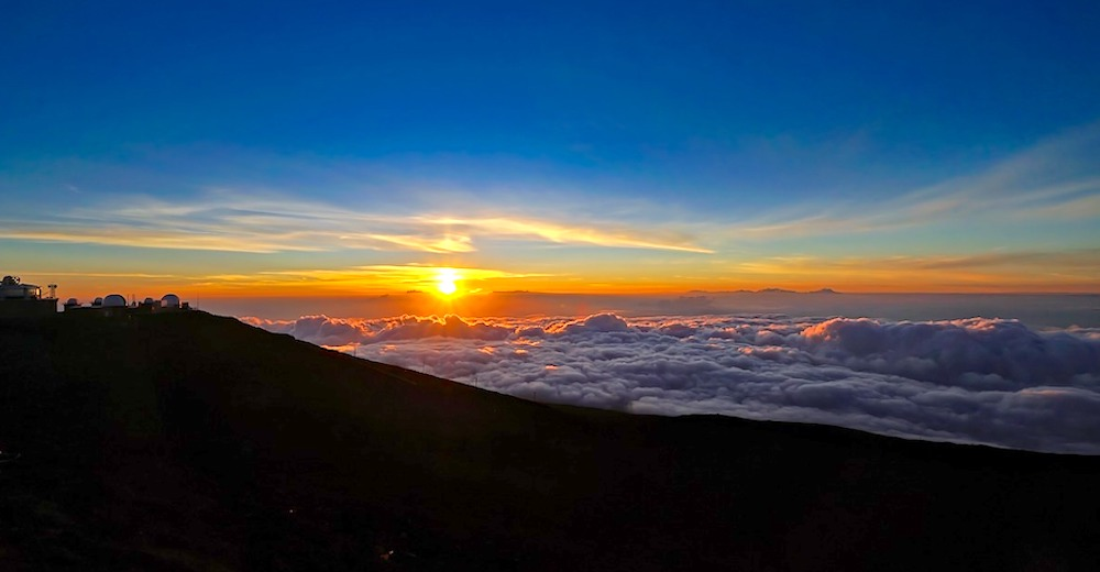 Sunset from the Haleakala summit, an unforgettable Maui family activity
