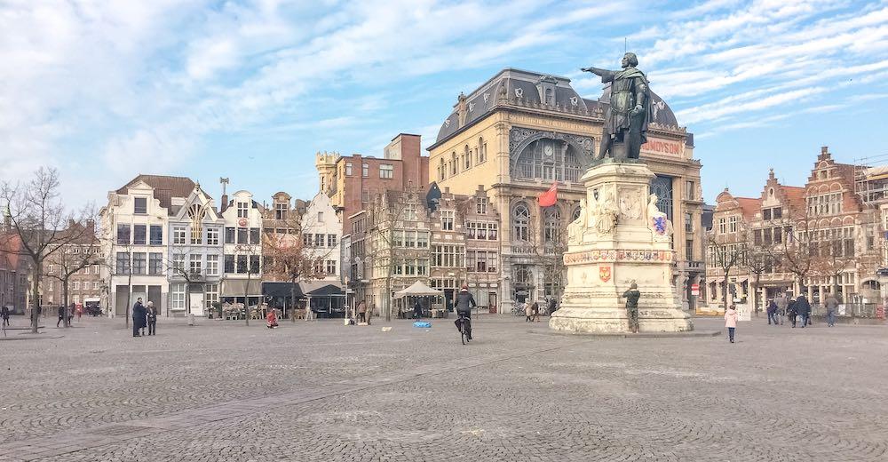 View of the Vrijdagmarkt in Ghent with Jacob van Artevelde pointing towards England