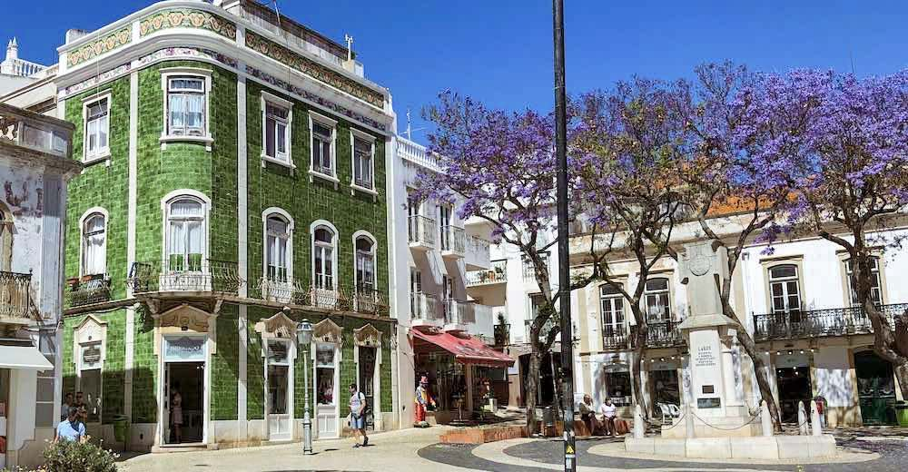 Having a drink at the Praça Luís de Camões is on of the essential things to do in Lagos, Portugal