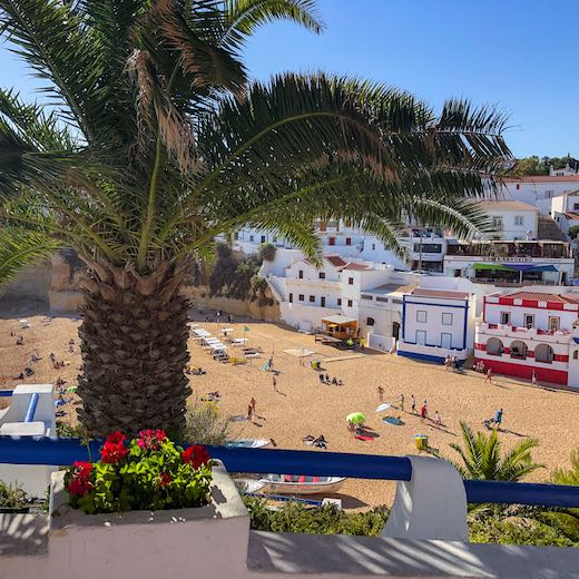 The town of Carvvoeiro makes for an excellent day trip from Faro Algarve