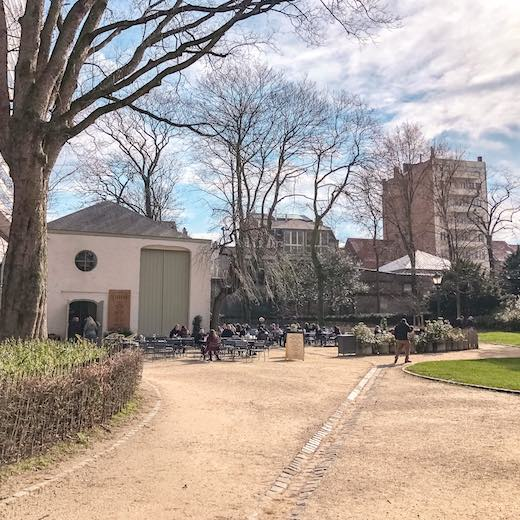 La Fabrique en Ville in the Egmont park is the perfect place for a break during your Brussels day trip
