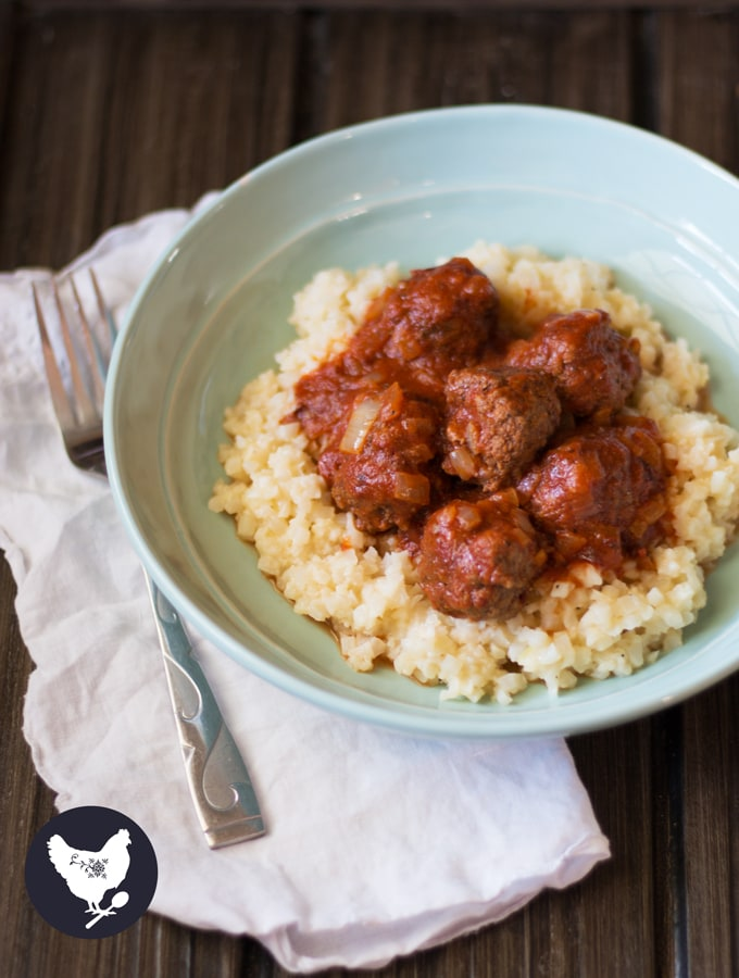Chipotle Meatballs - packed with a southwestern flair and PALEO friendly! Get this recipe from Cosmopolitan Cornbread.