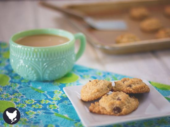 Who says paleo treats aren't delicious? These cookies will prove them wrong. Get the recipe from Cosmopolitan Cornbread #paleo #glutenfree #lowcarb