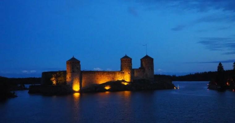 Olavinlinna castle and crepe café