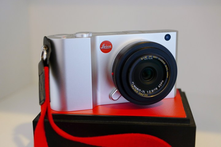 Art of Gear Addiction: The Leica TL