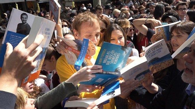 resaca-sant-jordi-libros-amor-colas-fans-desatados