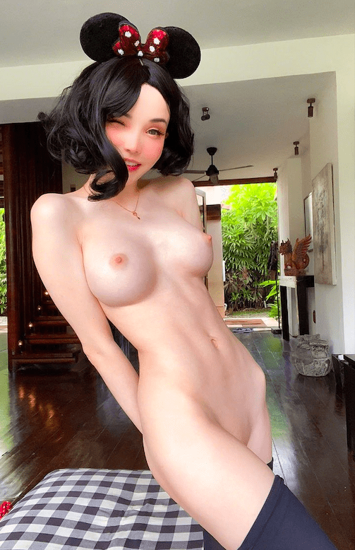 Sexy cosplay nude