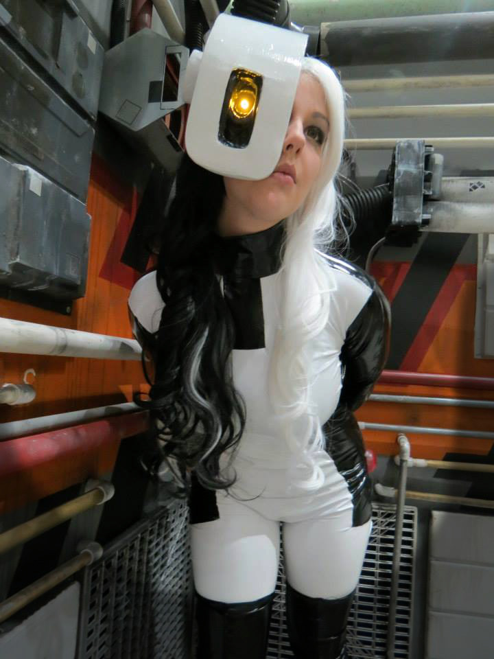 Otaku House Cosplay Idol  Kdawn GLaDOS from Portal