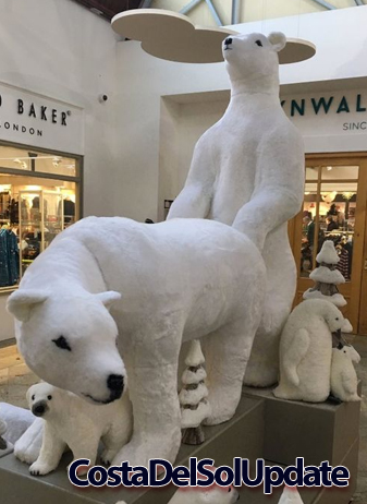 Polar Bears Christmas Display
