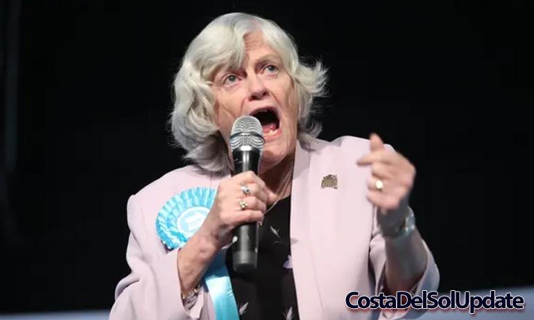 Anne Widdecombe Singing