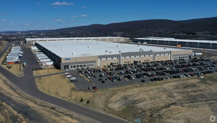 Chewy opened a nearly 810,000-square-foot fulfillment center in Hanover Township, Pennsylvania, last year. (CoStar)