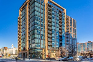 Equity Residential's 100K Apartments is one of a number of new apartment buildings to pop up in NoMa in recent years. (CoStar)