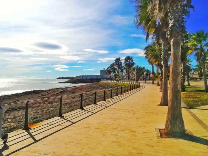Plaza Cala De La Mosca, Playa Flamenca