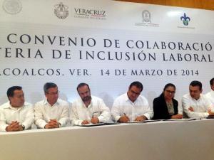En la firma del Convenio en Materia de Inclusión Laboral entre la Universidad de Veracruz y el Gobierno de Veracruz