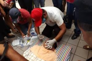 Cosme González Martinez se puso en huelga de hambre en los bajos del palacio municipal de Cosoleacaque.