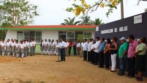 Apoyos a telesecundarias de Coatzacoalcos de comunidades ejidales.