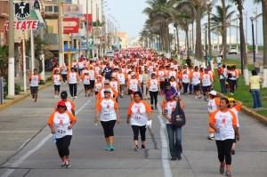 Más de mil 200 participantes en la primera carrera atlética.